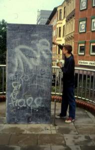 Esther und Jochen Gerz, Mahnmal gegen Faschismus, Hamburg-Harburg 1986-93