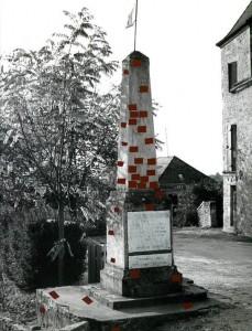 Jochen Gerz, Das lebende Monument, Biron 1996