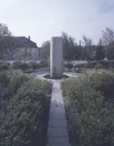 Jenny Holzer, Friedensdenkmal, Erlauf 1995
