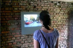 Helmut & Johanna Kandl, Wächterhaus, Informationsraum: Screenmagazin, messages repeated, Aflenz an der Sulm Steiermark 2009