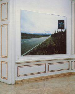 Micheal Schuster, Scenic View (Verkehrszeichen, Highway Nr. 4) KRIEG. Graz 1993