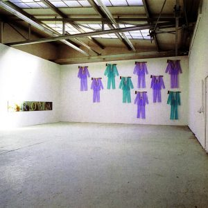 Klaus Schuster, Die Architektur einer Geschichte. Besucher, Künstlerwerkstatt Lothringerstrasse, München 1988
