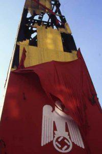 """Hans Haacke, """"UND IHR HABT DOCH GESIEGT"""", Bezugspunkte, Graz 1988"""